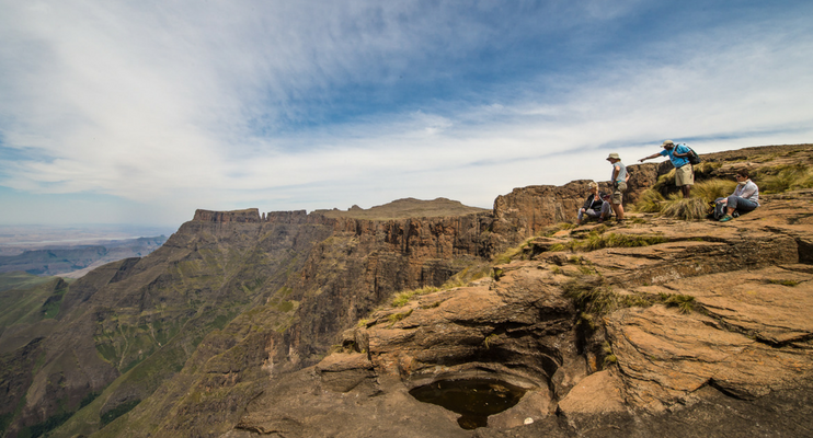 JJa14-sunway-safari-south-africa-drakensberg-hike-witsieshoek-breathtaking-views-landscape-scenery