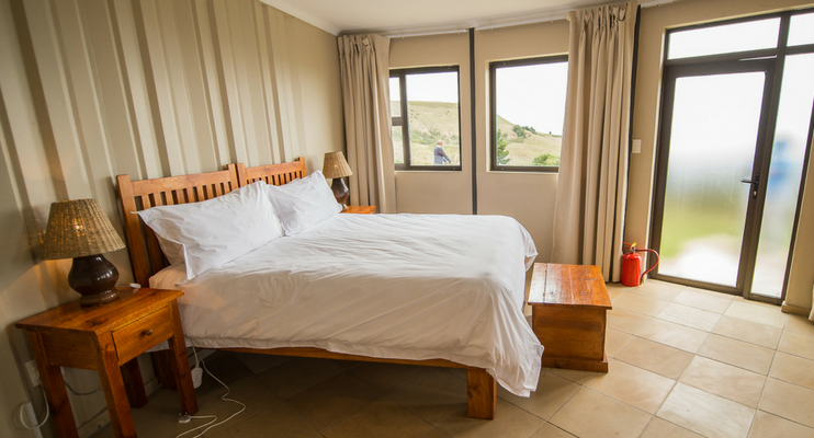 JJa14-sunway-safari-south-africa-drakensberg-witsieshoek-lodge-bungalow-accommodation