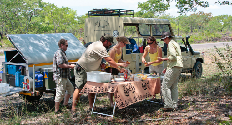 indafrica-sunway-safaris-small-group-expedition-western-zambia-adventure-offroad-wildlife-africa-lunch-onroad