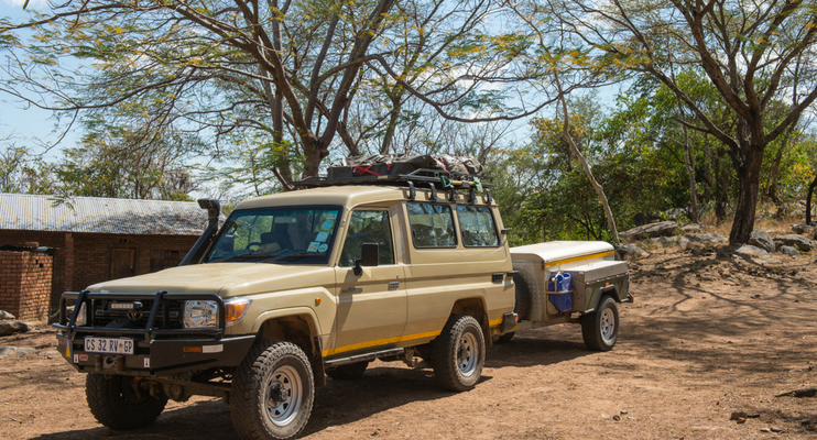 indafrica-sunway-safaris-small-group-expedition-western-zambia-adventure-offroad-wildlife-africa-vehicle-trailer-offroad-land-cruiser