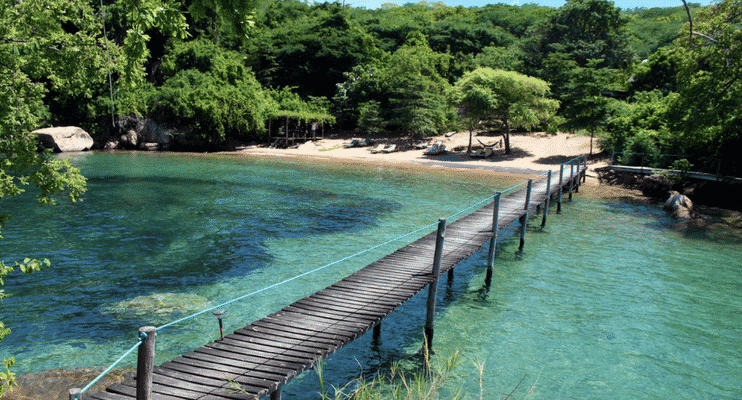 ZMa16-Lake-Malawi-wharf-jetty-sunway-safari-africa-experience-swim-relax-refresh