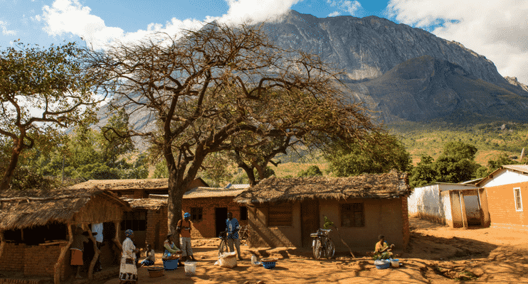 ZMa16-sunway-safari-malawi-mulanje-hut-locals-community-support-adventure-tour-small-group