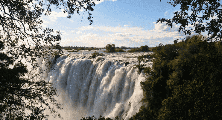 ZMa16-vic-falls-sunway-safari-amazing-waterful-africa