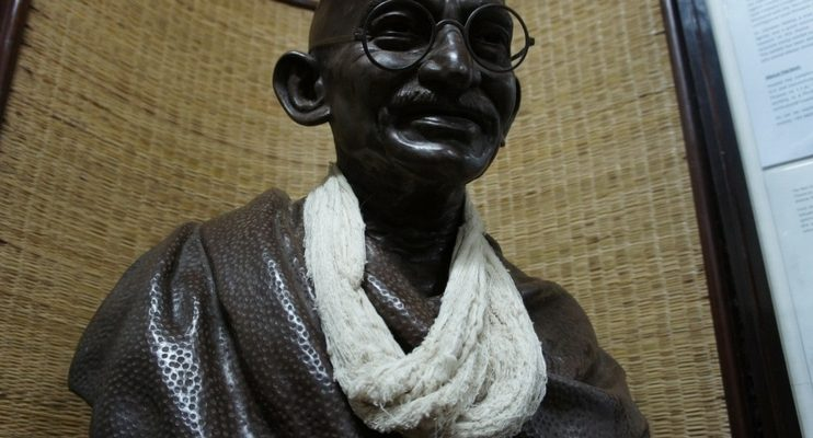 women-only-india-tour-gandhi-wise-man