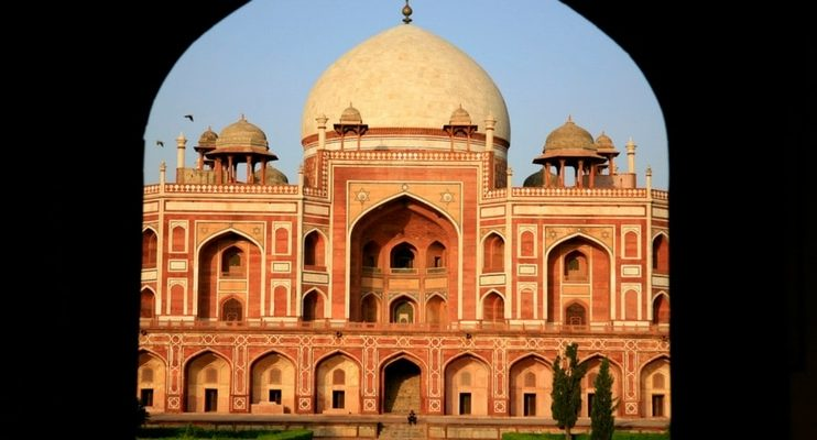 women-only-india-tour-humayun-tomb-sunet-photo