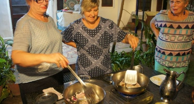 women-only-india-tour-indian-cooking-class