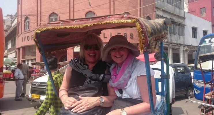 women-only-india-tour-rickshaw-old-delhi-exploring