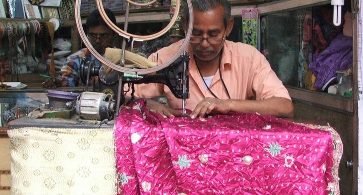 women-only-india-travel-local-tailor-indian-fabric