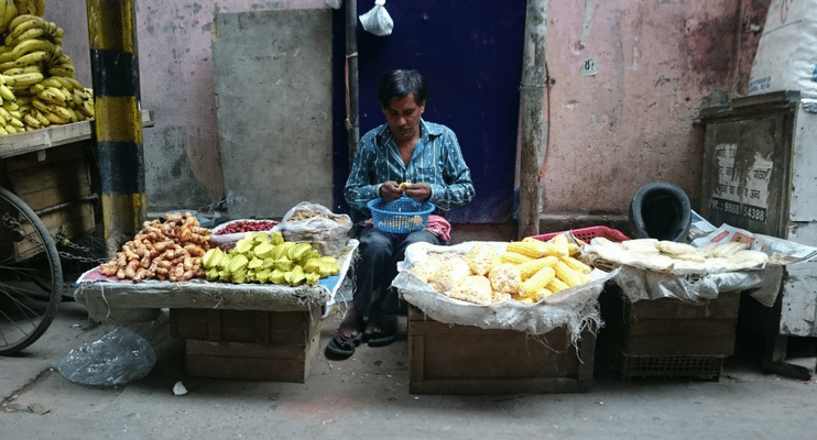 women-only-india-travel-tour-vegetable-seller-old-delhi