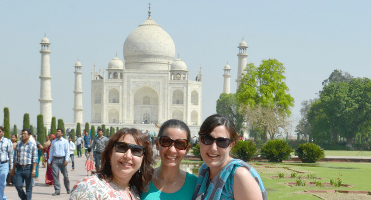 women-only-india-travel-tour-visit-taj-mahal