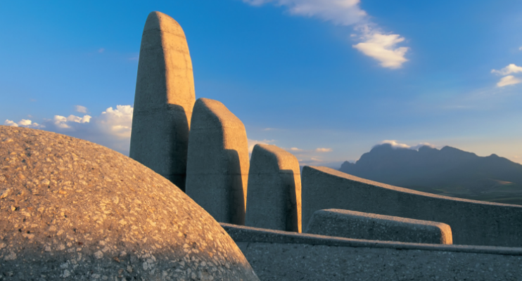 cape-town-tour-taal-monument-paarl-cape-winelands-indafrica-travel